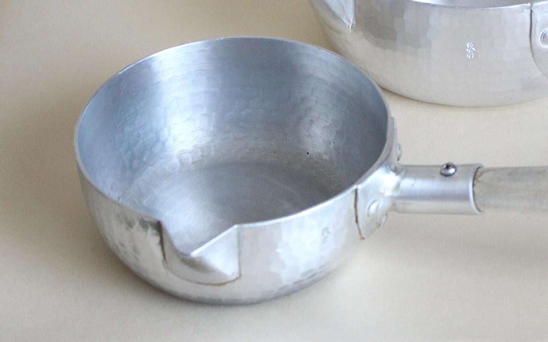 軽くて銅についで熱伝導率が良い「アルミ」