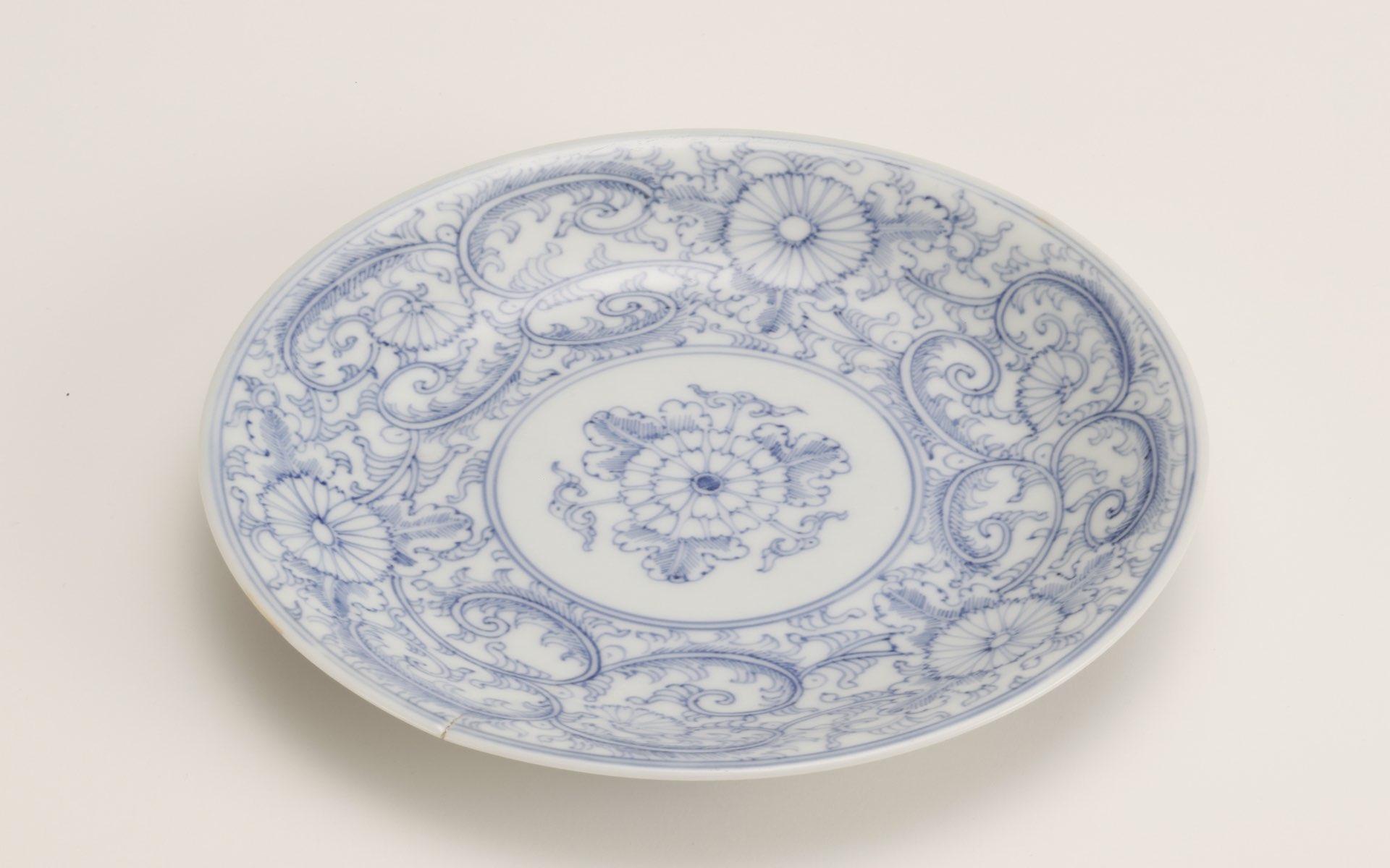 三川内焼の平皿