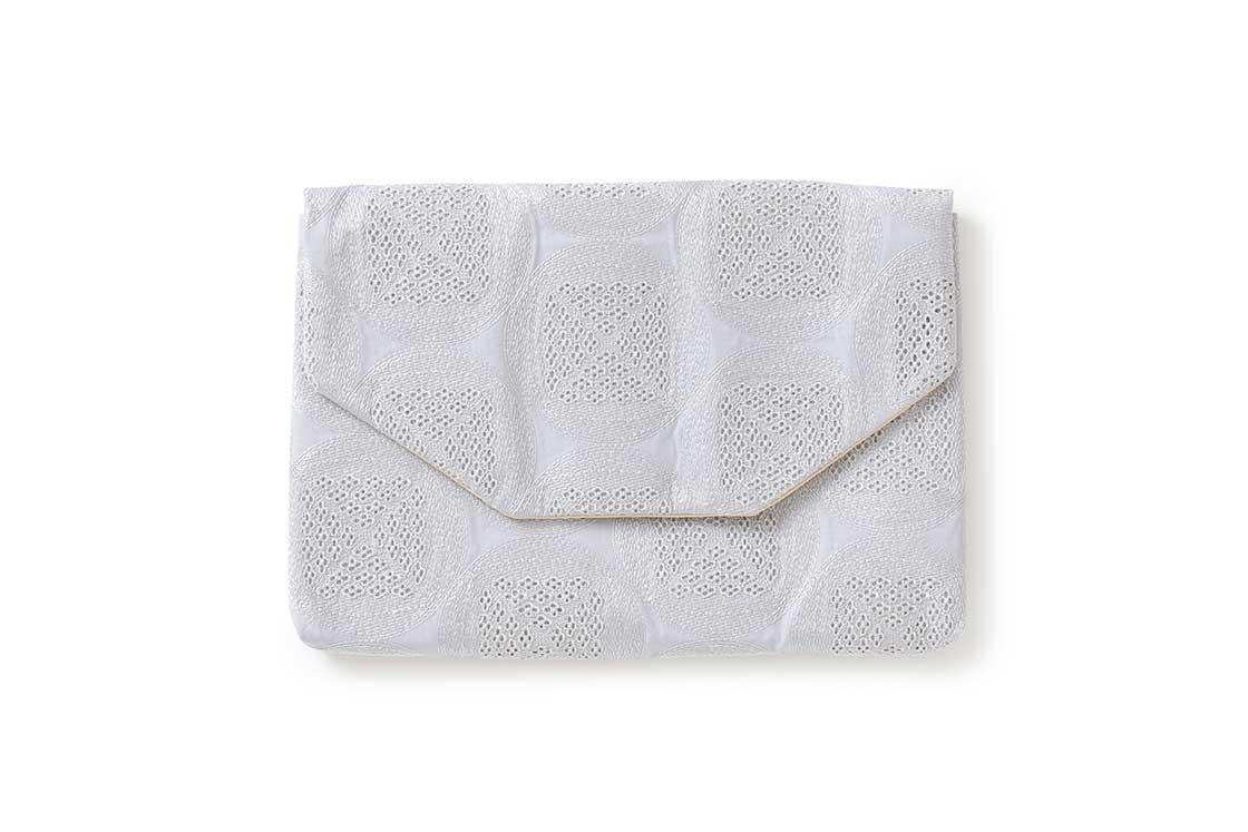 「数寄屋袋」(サイズ:25×16×2.5センチ)