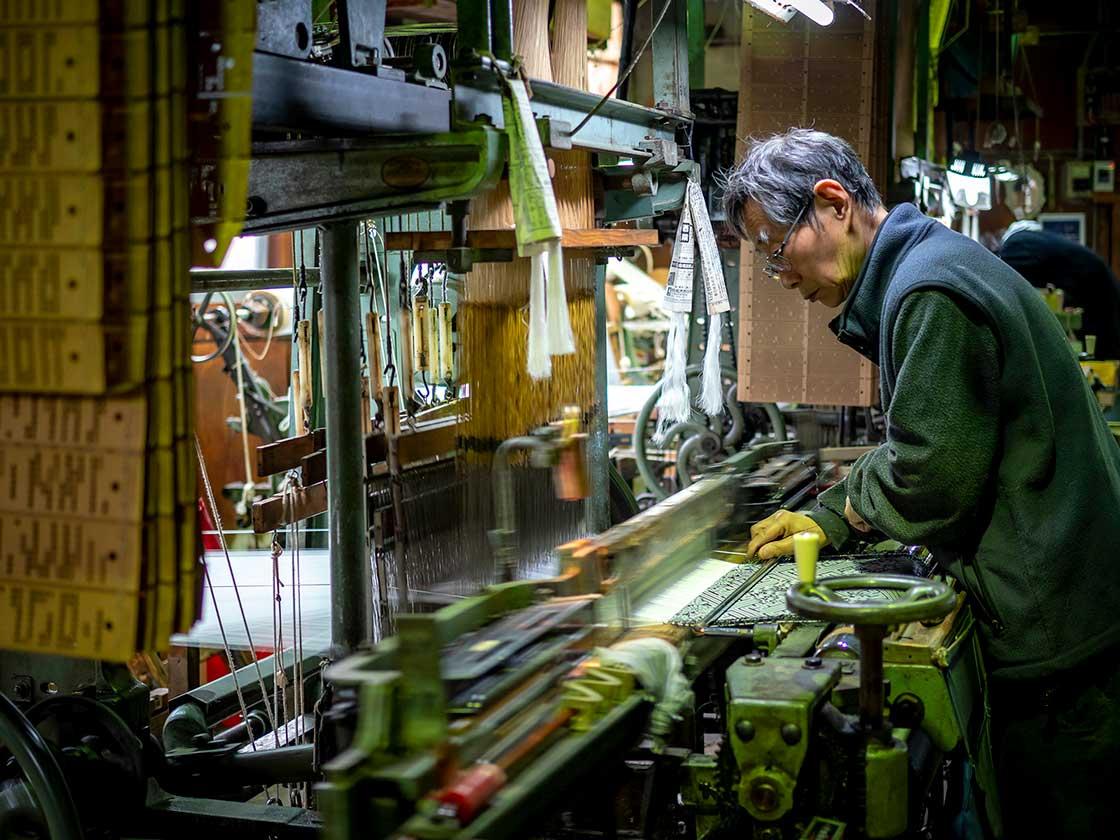 輪奈ビロードをつくる工房(写真:Nagahama-Local-Photo)