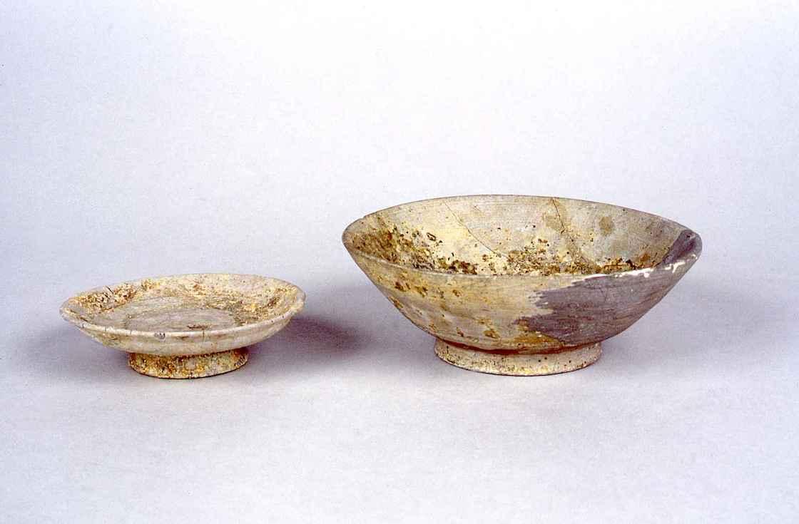 灰釉大碗・小碗(11世紀中期)