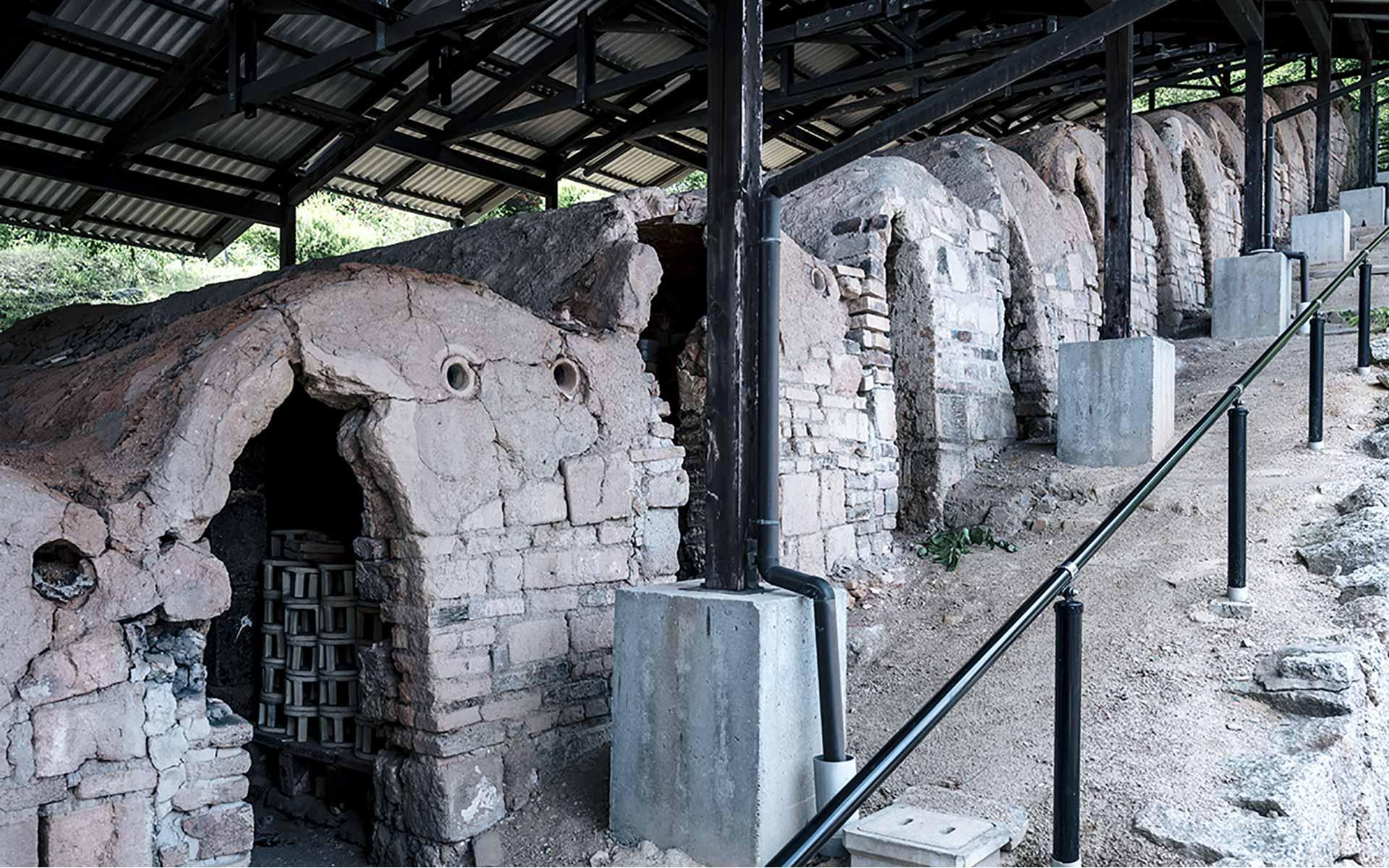 江戸時代から使われた登り窯、陶器を量産した