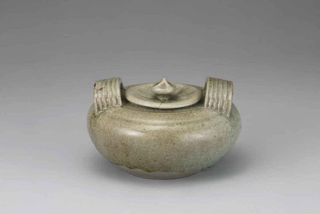 春龍「御深井釉水指」(19世紀前期)