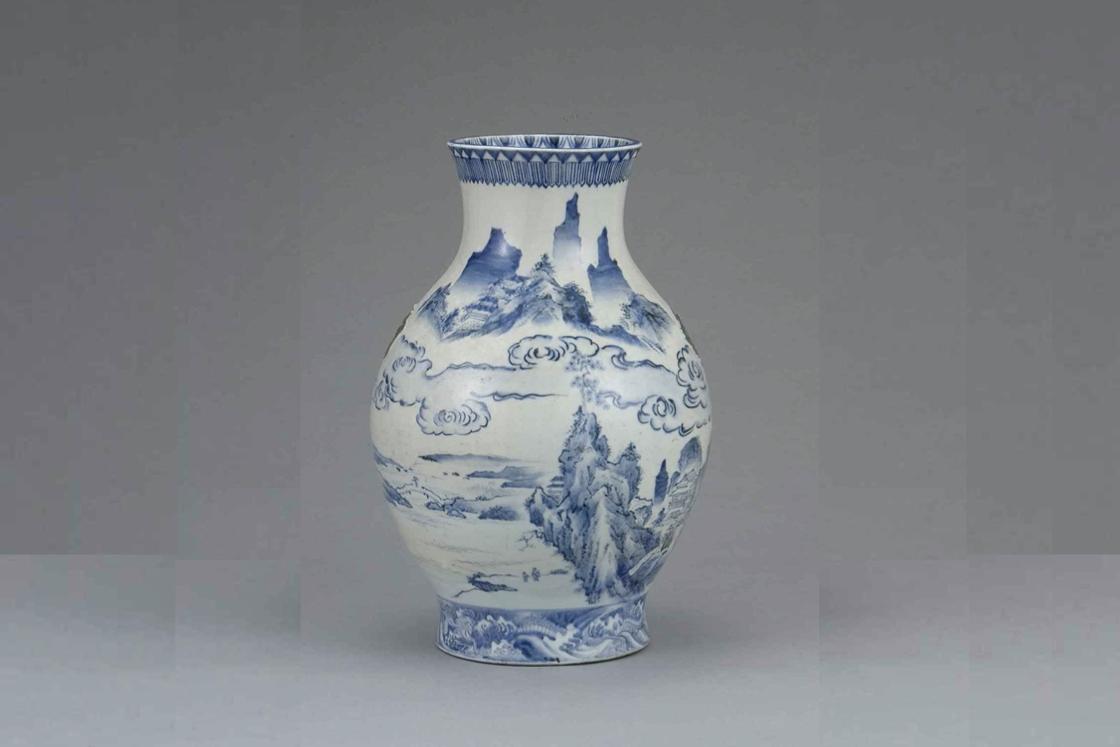 加藤民吉(初代)「染付山水図大花瓶」