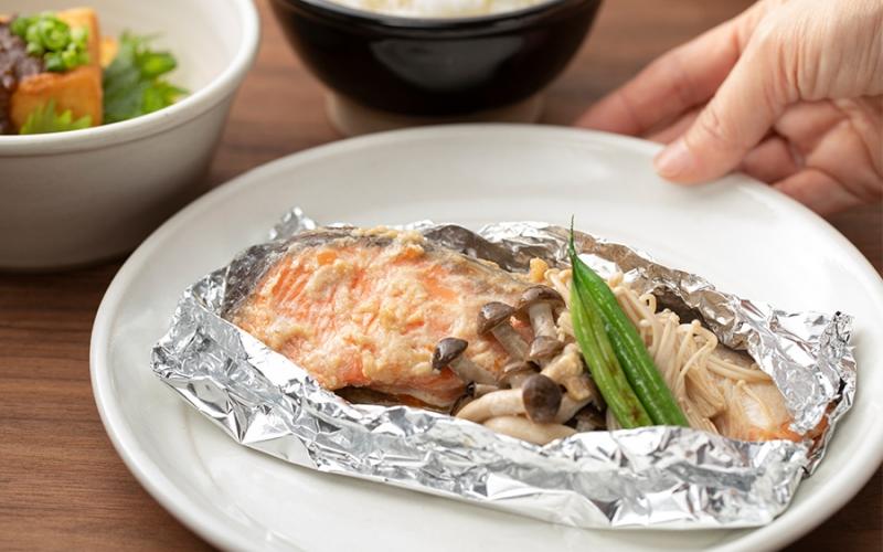 鮭とキノコのホイル焼き